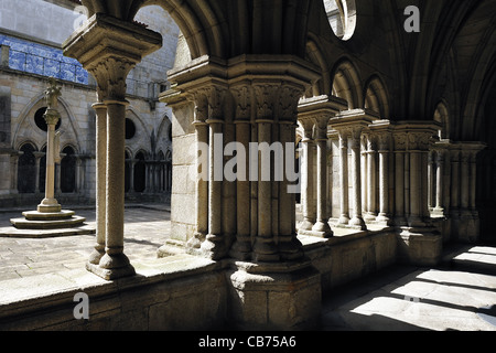 gallery of Se Cathedral (Porto, Portugal) - Stock Photo
