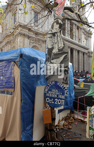 Spoof English Heritage Blue Plaque, Occupy London Protest Movement, St Paul's Cathedral, London, UK - Stock Photo