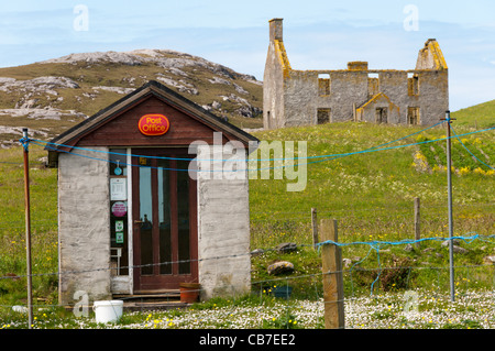 Small Post Office on the island of Vatersay in the Outer Hebrides. - Stock Photo