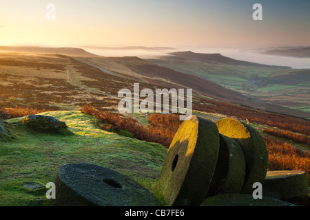 Sunrise, Stanage Edge millstones, Peak District National Park, Derbyshire, England, UK - Stock Photo