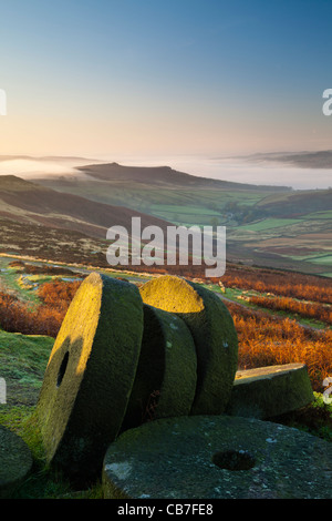 Sunrise, Stanage Edge millstones, Peak District National Park, Derbyshire, England, UK - Stock Photo