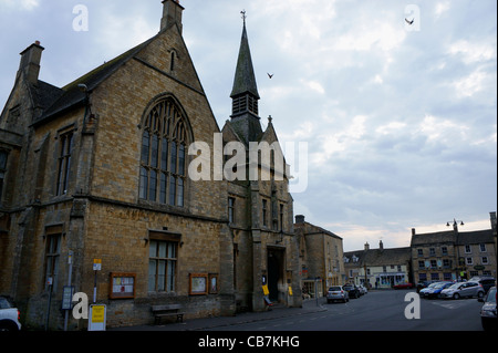St. Edwards Hall in the Square at Stow-on-the-Wold, Gloucestershire, England. - Stock Photo