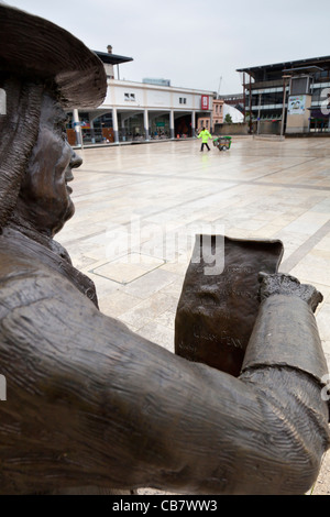 Close-up of the statue of William Penn, founder of the state of Pennsylvania, in Millennium Square, Bristol, England. Stock Photo