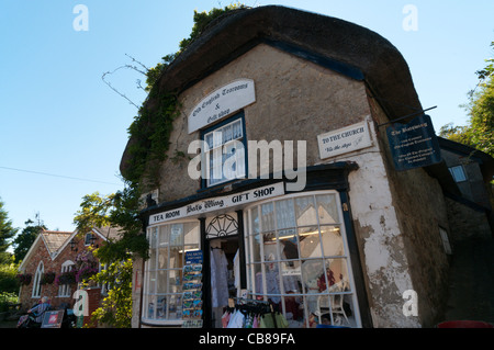 The Bat's Wing tearooms and gift shop in a 17th century cottage in Godshill on the Isle of Wight - Stock Photo