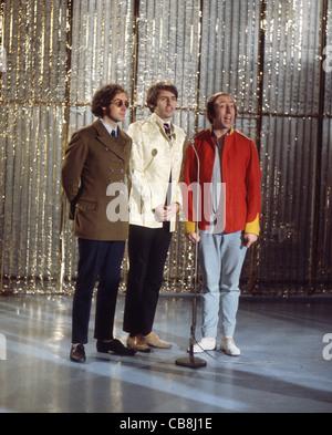 SCAFFOLD UK pop trio in December 1967 from left: John Gorman, Mike McGear, Mike McGough. Photo Tony Gale - Stock Photo