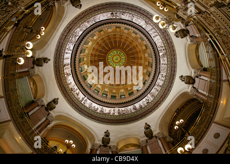 Rotunda and dome of the Illinois State Capitol Building showing historical statues and plaster bas-relief frieze - Stock Photo