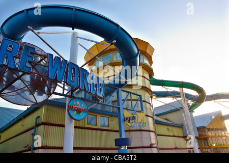 Jarmans Park Leisure Complex Hemel Hempstead At Night Stock Photo 12565072 Alamy