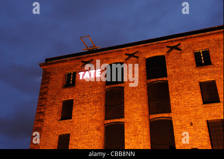 Tate Liverpool sign at night - Stock Photo
