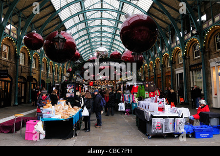 Scenic The Apple Market Hall At Covent Garden With Christmas Decorations  With Foxy  The Apple Market In Covent Garden With Christmas Decorations London  England Uk  With Enchanting Fencing For Garden Beds Also Garden Side Gates In Addition Grey Garden Table And Britains Floral Garden As Well As Contemporary Garden Designs For Small Gardens Additionally Kennington Gardens From Alamycom With   Foxy The Apple Market Hall At Covent Garden With Christmas Decorations  With Enchanting  The Apple Market In Covent Garden With Christmas Decorations London  England Uk  And Scenic Fencing For Garden Beds Also Garden Side Gates In Addition Grey Garden Table From Alamycom