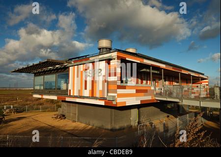 The RSPB visitor centre at Rainham Marshes. - Stock Photo