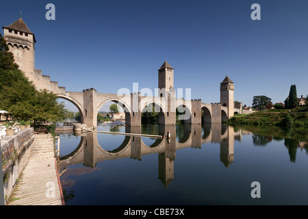 The Pont Valentre, symbol of the city of Cahors, crossing the River Lot. - Stock Photo