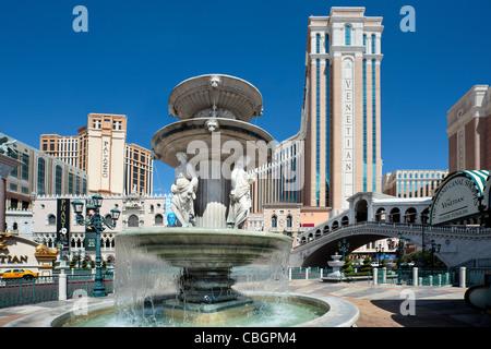 Venetian Hotel Statues Vegas
