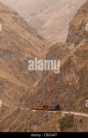 Train Going Up On Devil Nose Very Important Tourist Attraction In Ecuadorian Andes Observe The Difference Between - Stock Photo