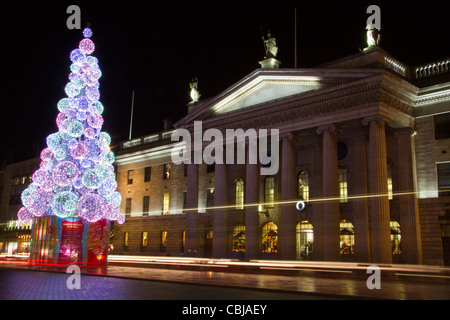 Christmas Tree on O'Connell Street Dublin Ireland Stock ...