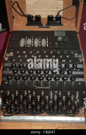 Overhead view of a captured Enigma machine on display in Bletchley Park, Bletchley. Buckinghamshire, UK. - Stock Photo