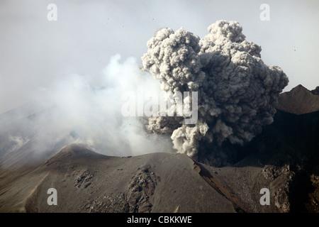December 28, 2009 - Ash cloud following explosive Vulcanian eruption, Sakurajima Volcano, Japan. - Stock Photo