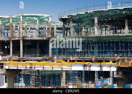India's growing economy - construction new terminal and shopping complex at Chattrapati Shivaji International Airport - Stock Photo