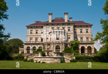 ... Newport Rhode Island Famous The Breakers On The Mansions Drive   Stock  Photo