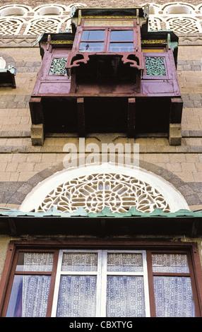 A view from below a Mashrabiya or Shanasheel in Sana'a, Yemen - Stock Photo