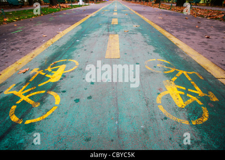 Bicycle lane in a park, autumn - Stock Photo