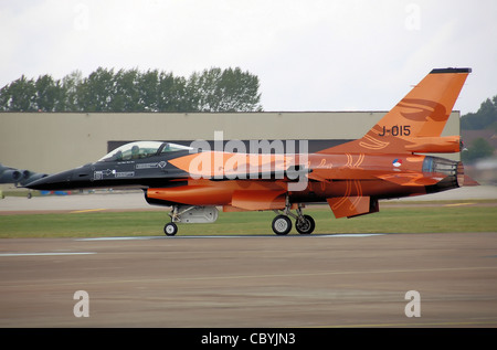Royal Netherlands Air Force F-16 Fighting Falcon (tail code J-015) starts its takeoff run at the 2009 Royal International - Stock Photo