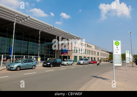 terminal building at weeze niederrhein airport with d sseldorf stock photo 31063720 alamy. Black Bedroom Furniture Sets. Home Design Ideas