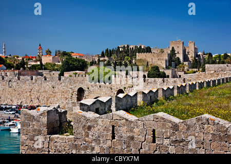 Part of the seaside walls (at Sachtouri coast) of the Medieval town of Rhodes, Dodecanese, Greece. - Stock Photo