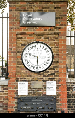 The Shepherd 24-hour gate clock at the Royal Observatory in Greenwich, England. - Stock Photo