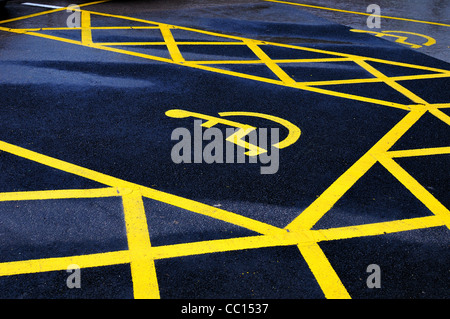 Disabled parking bay markings on roadway - Stock Photo