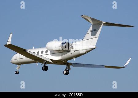 Gulfstream Aerospace G-IV-SP (N808T) business jet landing at London Heathrow Airport, England. - Stock Photo