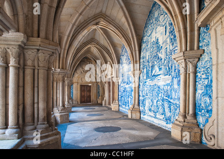 Da Sé Cathedral, Azulejos of the Gothic cloister, Porto, Portugal, Unesco World Heritage Site - Stock Photo