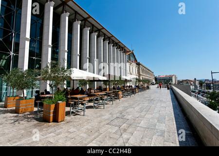Marseille france saint charles station a first for Train marseille salon de provence