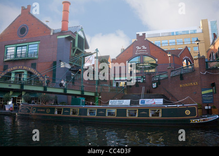 Birmingham West Midlands Bars and restaurants canal side in redeveloped Brindleyplace - Stock Photo