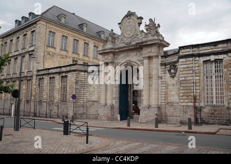 The main entrance to Le Musée des Beaux-Arts on Rue Paul Doumer, in Arras, France. - Stock Photo