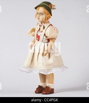 Collecting Toys Twentieth Century. lpine Doll. Years 30/40. Height 50Cm