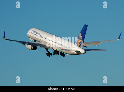 Continental Airlines Boeing 757-200 (registration N48127) takes off from Bristol International Airport, Bristol, - Stock Photo