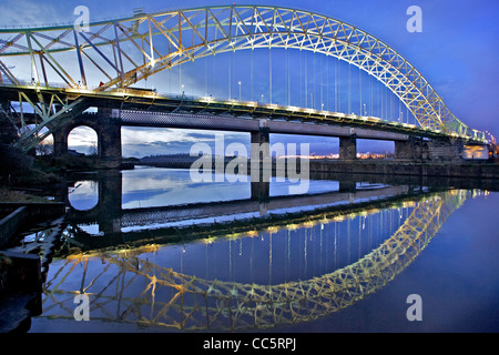 The Queensway bridge over the river Mersey between Runcorn and Widnes seen across the Manchester ship canal from - Stock Photo