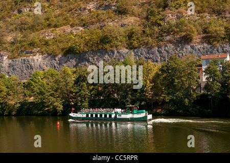 River tourist cruising boat Fenelon on River Lot in the Périgord region of France - Stock Photo