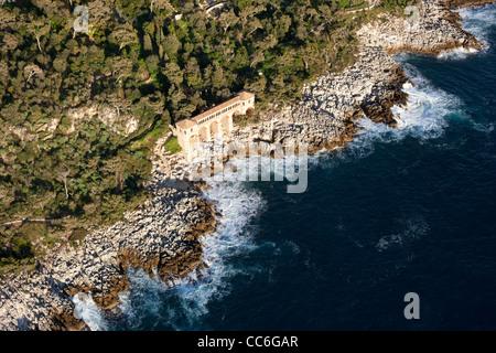 PERISTYLE (aerial view). Villa Cyrnos, Roquebrune-Cap-Martin, French Riviera, France. - Stock Photo