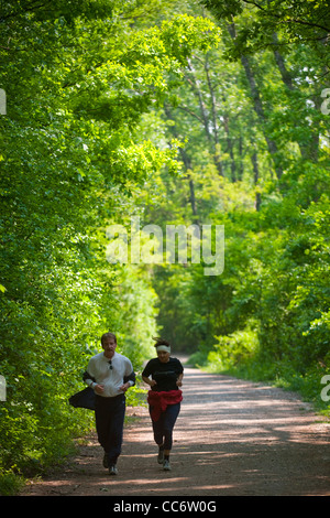 Österreich, Wien 22, Erholungsgebiet Lobau im Nationalpark Donau-Auen, Jogger Stock Photo