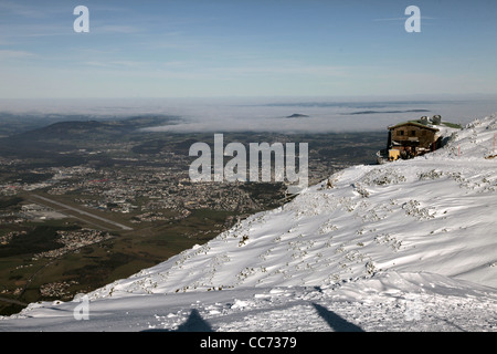 LOG CABIN SALZBURG AIRPORT & CITY FROM UNTERSBERG MOUNTAIN AUSTRIA 28 December 2011 - Stock Photo