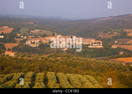 Piegaro, a hilltop village amid the rural Umbrian landscape, Province of Perugia, Umbria, Italy - Stock Photo