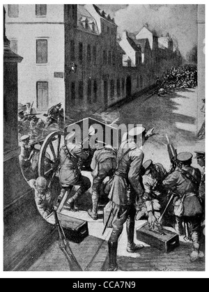 25 August 1914  British I Corps machine gun German column Landrecies gunner ammunition box France firing fired weapon - Stock Photo