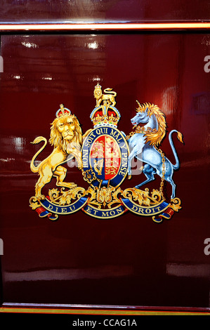 British Monarchy The Royal Coat Of Arms Of The Monarch Of