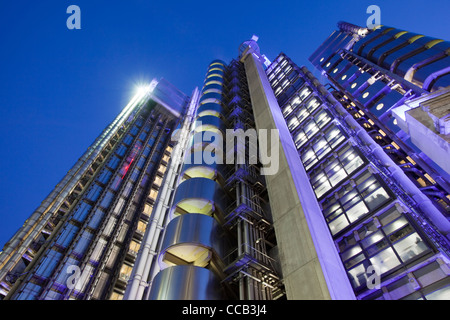 Lloyd's Building, designed by Richard Rogers, at dusk, is home to Lloyd's of London, England, UK. - Stock Photo