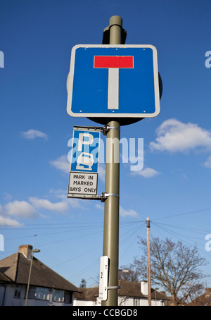 No through road for vehicles upright traffic sign, England, UK - Stock Photo