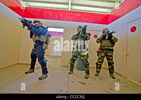 how to become a fbi swat team member