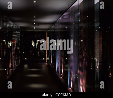 Aqua Restaraunt, London, Glamorous, 2011-link corridor - Stock Photo