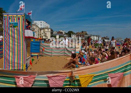 Punch and Judy show. Viking Bay. Broadstairs, Kent. England. UK. - Stock Photo