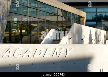 EVELYN GRACE ACADEMY, ZAHA HADID ARCHITECTS, LONDON, 2010, EXTERIOR WITH SIGNAGE - Stock Photo